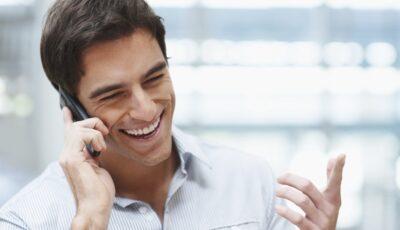تفسير حلم التحدث مع شخص اعرفة في الهاتف للعزباء والحامل والمتزوجة