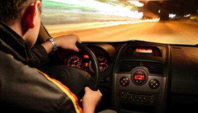 قيادة السيارة في المنام للرجل المتزوج والاعزب ودلالة العربية البيضاء والسوداء