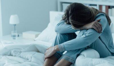 علاج الاكتئاب بالاعشاب وأدوية طبيعية تعالج أعراضه المزعجة